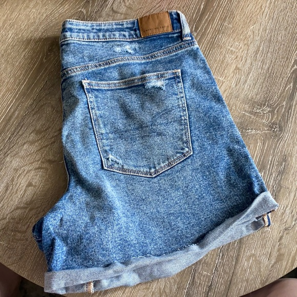 New with tags american eagle shorts